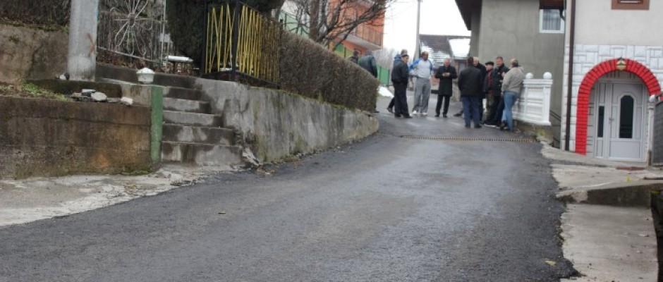 Otvoren novoasfaltirani put prema naselju Ćojluk u Bosanskoj Krupi