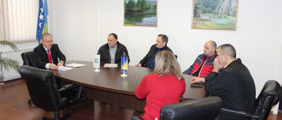 Potpisani ugovori za subvenciju prevoza srednjoškolaca u Bosanskoj Krupi