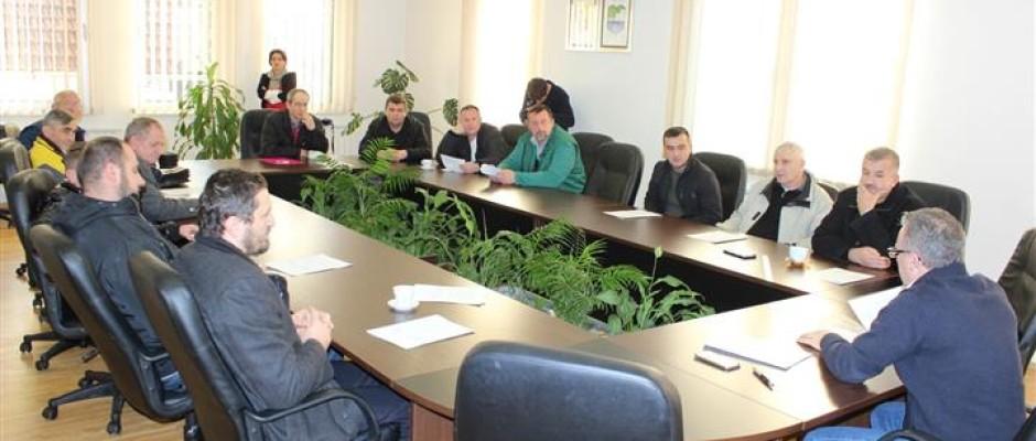 Potpisani sporazumi o održavanju puteva s predsjednicima mjesnih zajednica u Bosanskoj Krupi