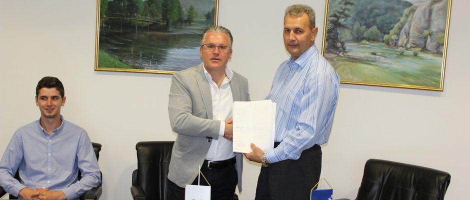 """Potpisan ugovor o kupoprodaji devastiranih objekata i zemljišta na području nekadašnje farme """"Pučenik"""""""