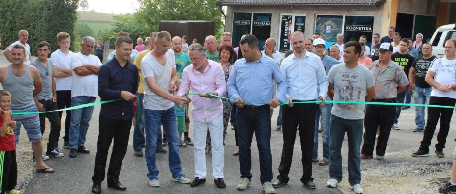 90 hiljada KM za 850 metara puta u Velikom Badiću osigurali mještani i Općina Bosanska Krupa