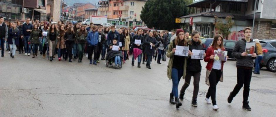 U Bosanskoj Krupi održana mirna šetnja za nastradalu sugrađanku Editu Malkoč